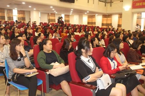 Hà Nội: Giả danh cán bộ thuế để bán sách, mời tài trợ