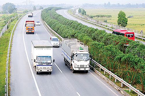 Thu phí để gia tăng nguồn lực tái đầu tư các dự án cao tốc